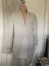 LADIES M&S CREAM JACKET 14 & MATCHING TROUSERS & BN SKIRT 16 ALL STRETCH